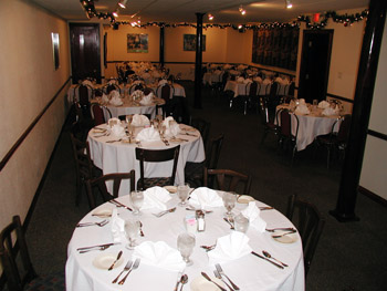 Picture of Banquet Room in Webster Groves Befor a Party